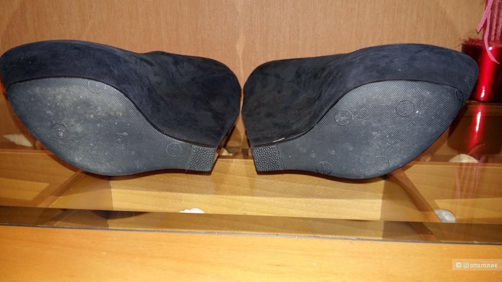 Туфли Casadei р-р 39