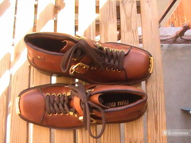 MIU MIU  ботинки  с металлическими аппликациями,39