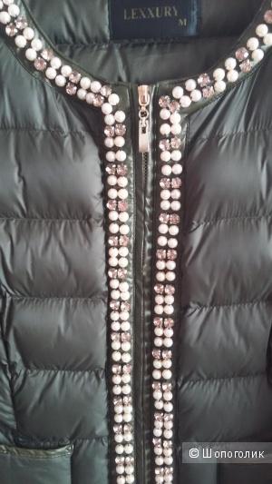 Нарядная курточка  LEXXURY,размер М
