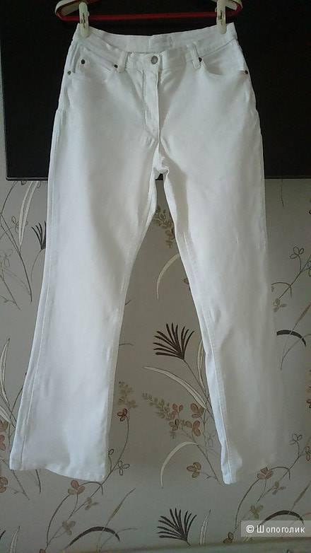 Белые джинсы-клеш (буткат), размер W32 L32 (росс. размер 48-50, рост - 170).