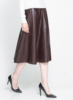 Юбка Zara из кожи ягненка цвета виноградного вина. Размер S.