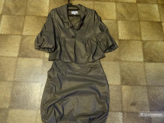 Итальянский костюм с юбкой, размер 42-44, б/у