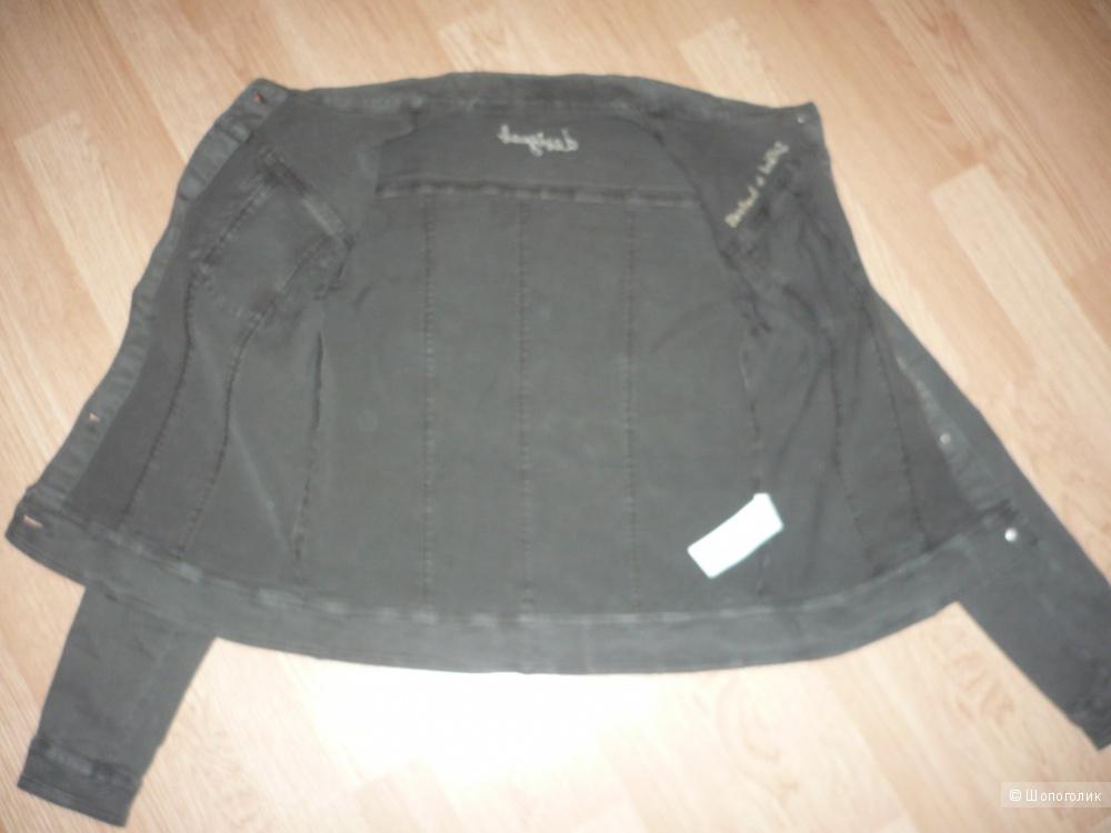 Новая куртка Desigual, р.42- 44