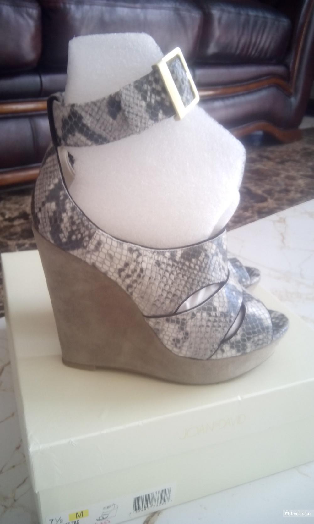 Красивые полностью из натуральной кожи босоножки туфли  Joan&David 7.5 us