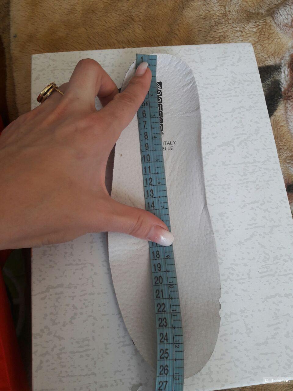 Высокие кожаные кеды МЕСAP (Италия)  размер 40 по стельке 26 см