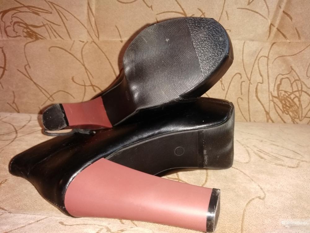 Очень удобные ботиночки 35 размера