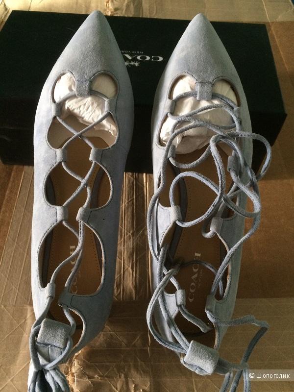 Замшевые туфли-балетки на шнуровке Coach размер 38,5-39