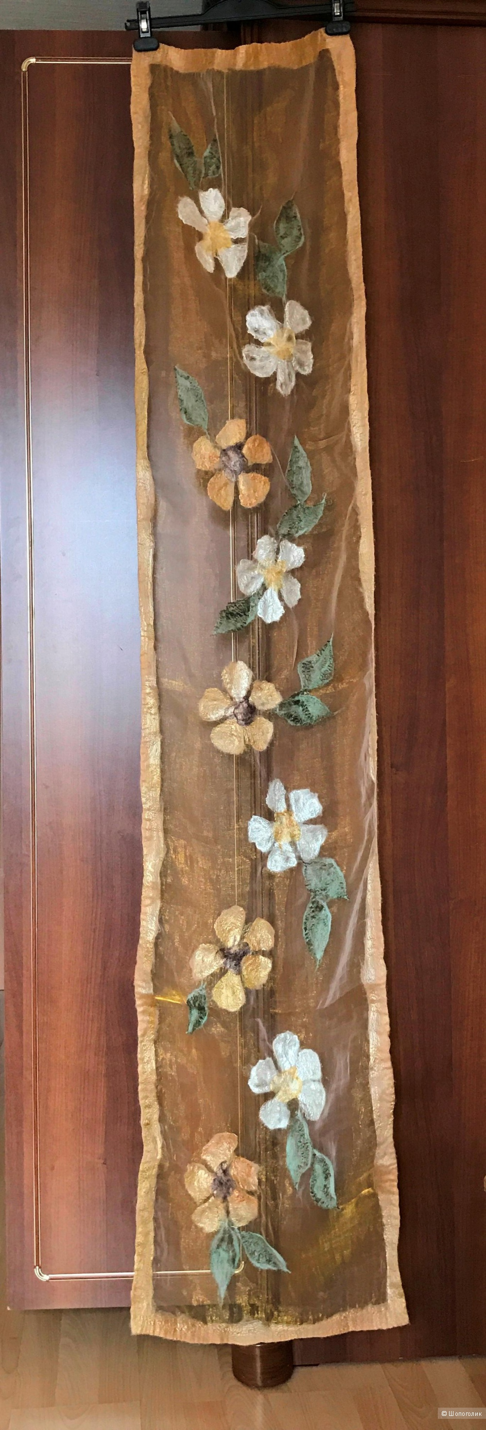 Шарф-палантин из органзы с набивными цветами из вяленой шерсти