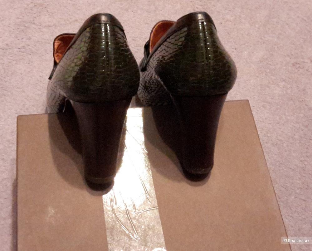 Дизайнерские туфли Chie Mihara р.39 цвет глубокий зеленый