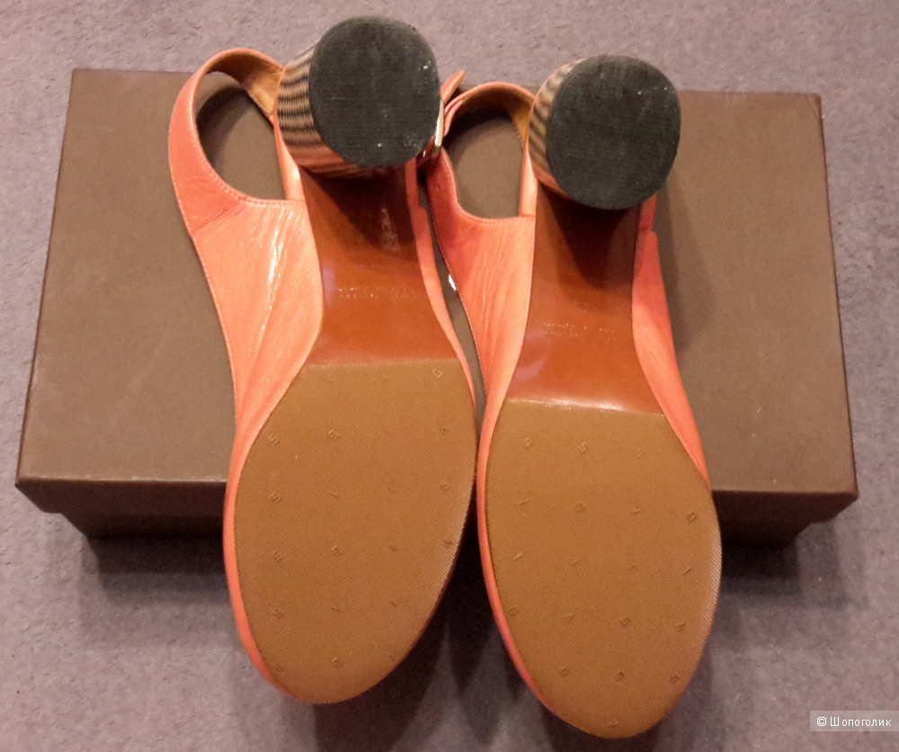 Дизайнерские туфли Chie Mihara р.40.5 цвета коралл