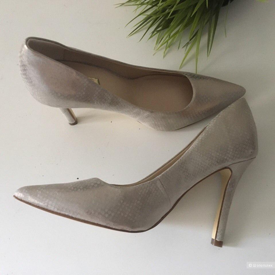 Новые туфли GUESS 37,5 рос.