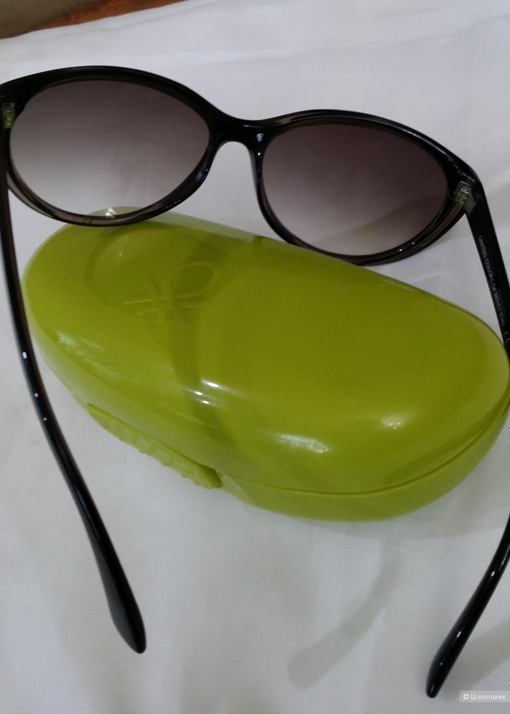 Солнцезащитные очки United Colors of BENETTON