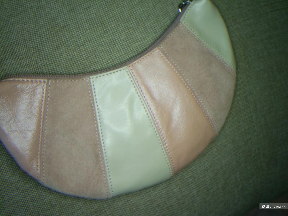 Сумка из комбинированной натуральной кожи от Marks & Spenser.