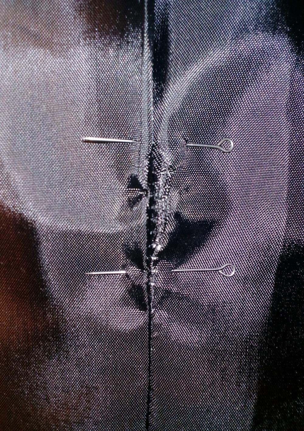 Тренч Tommy Hilfiger, чёрный в мелкий горошек, размер М