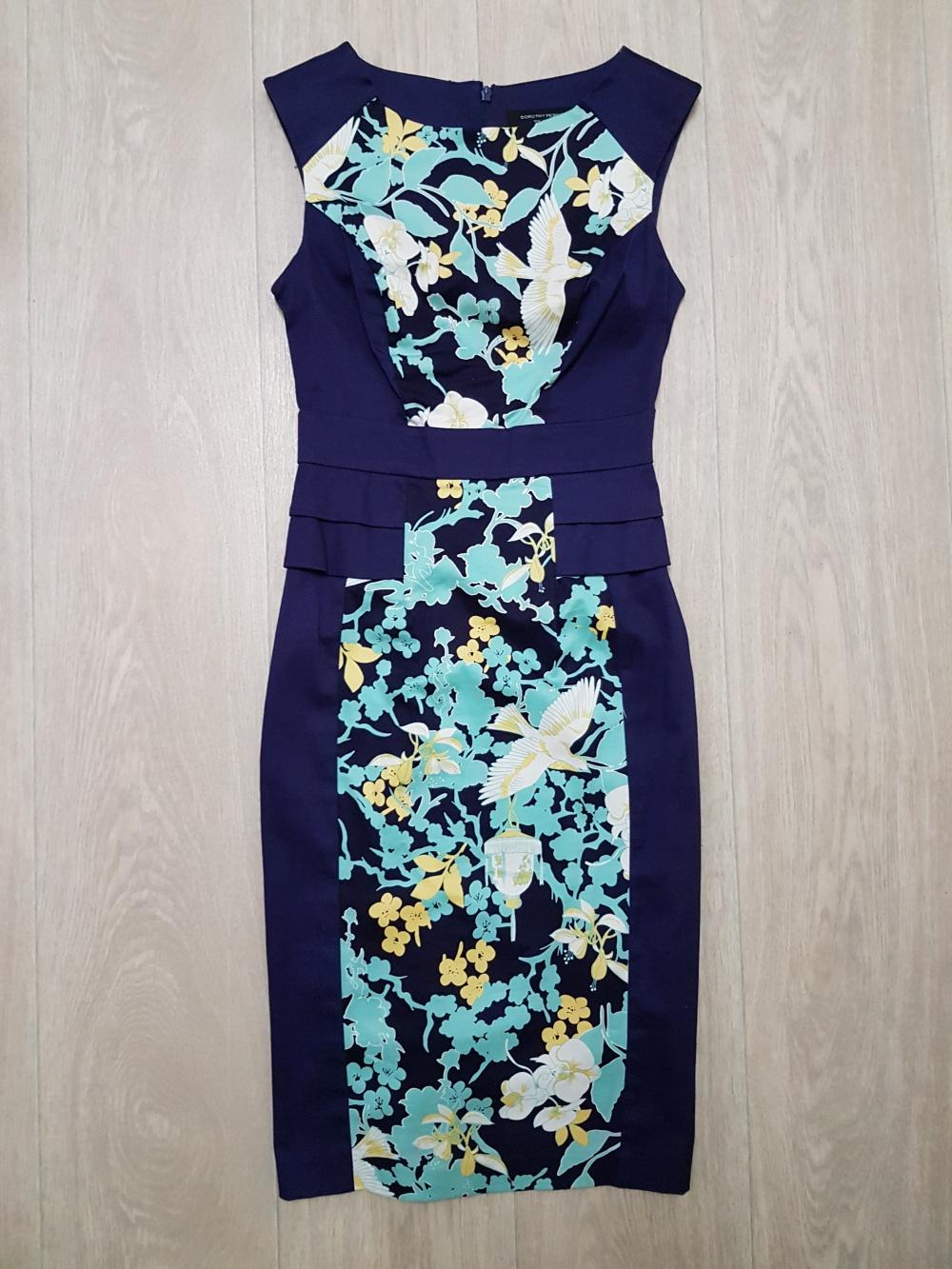 Платье - футляр с цветочным принтом Dorothy Perkins, размер 6 UK (42)