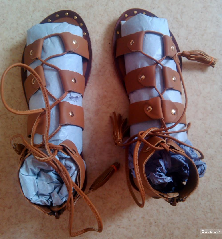 Кожаные сандалии-гладиаторы 38 размер