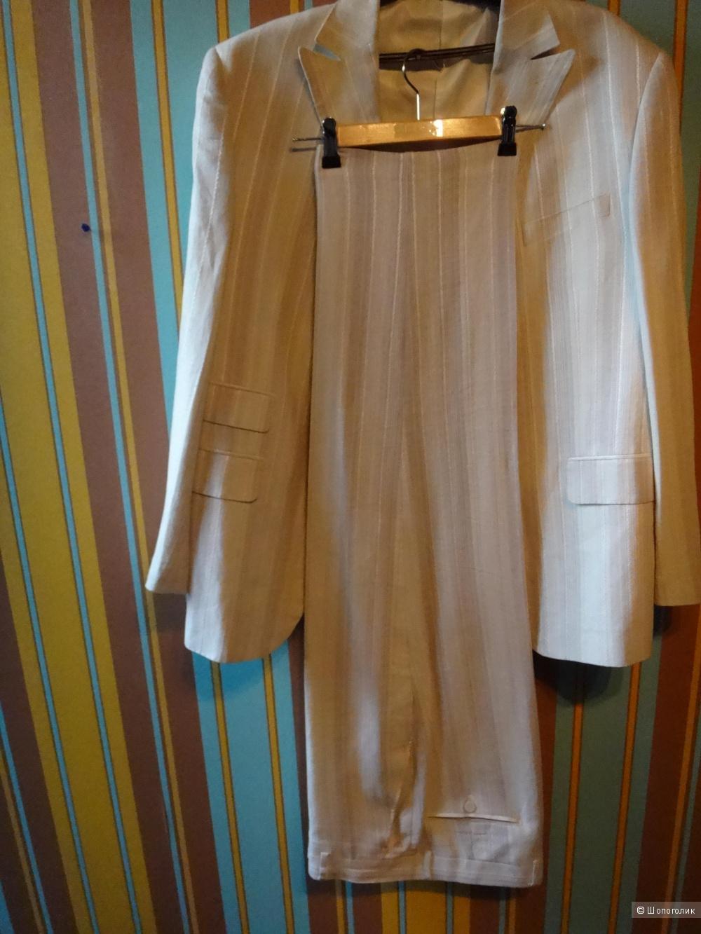 Мужской костюм 50-52 размер