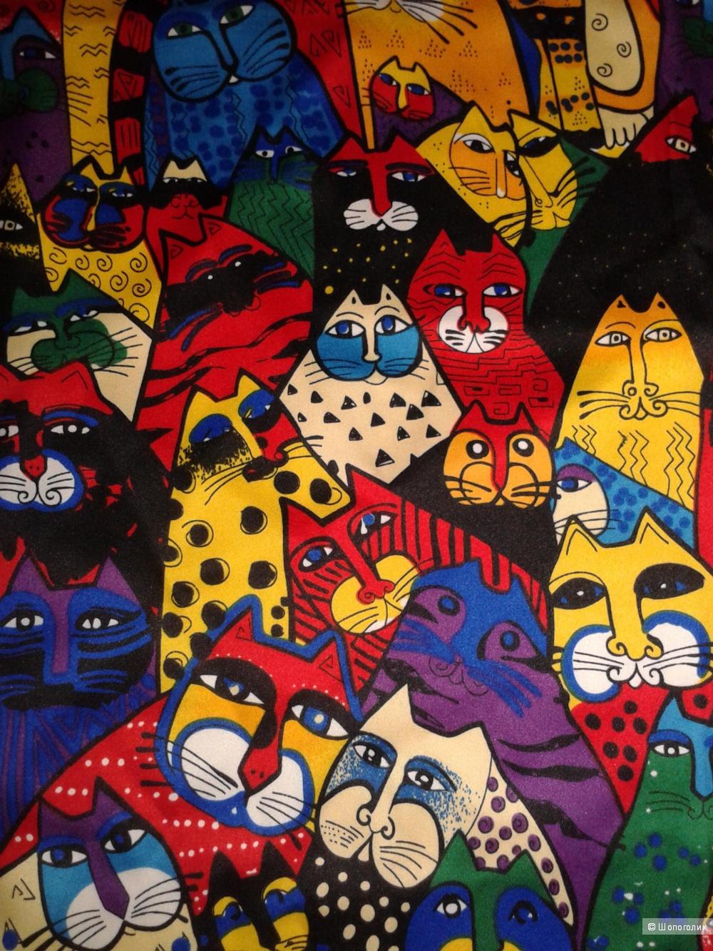 Яркий платок с котами