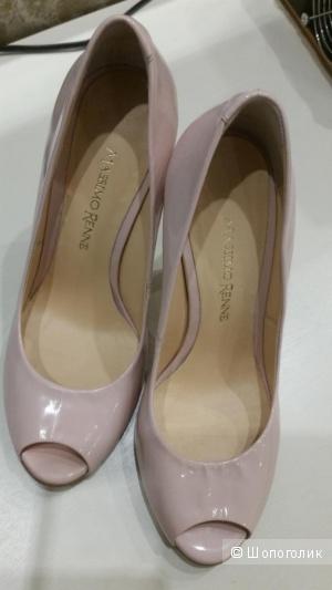 Лакированные нюдовые туфли Massimo Renne