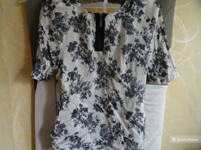 Летняя блуза в цветах, размер 44, б/у