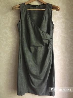 Платье шерстяное Love Moschino 44it
