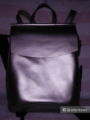 Новый кожаный рюкзак бронзового цвета