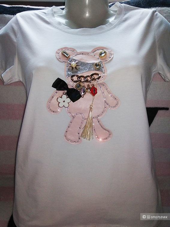Новая белая футболка с аппликацией и со стразами eb93507f1dbf1