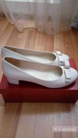 Новые туфли Mascotte 39 размер