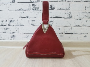 Треугольная сумочка Mascotte из натуральной кожи