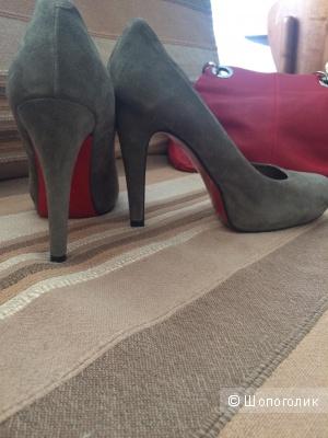 Серые замшевые туфли от Mele, размер 39