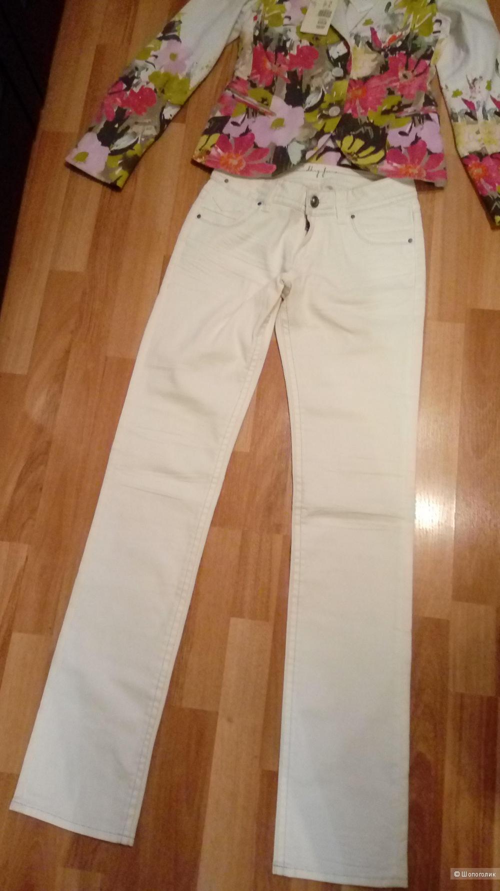 Пиджак Feraud и джинсы DKNY на 42 размер