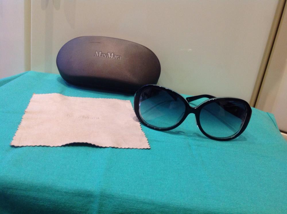 Солнезащитные очки MaxMara