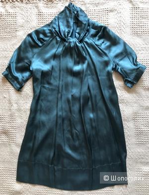 Изумрудное шелковое платье