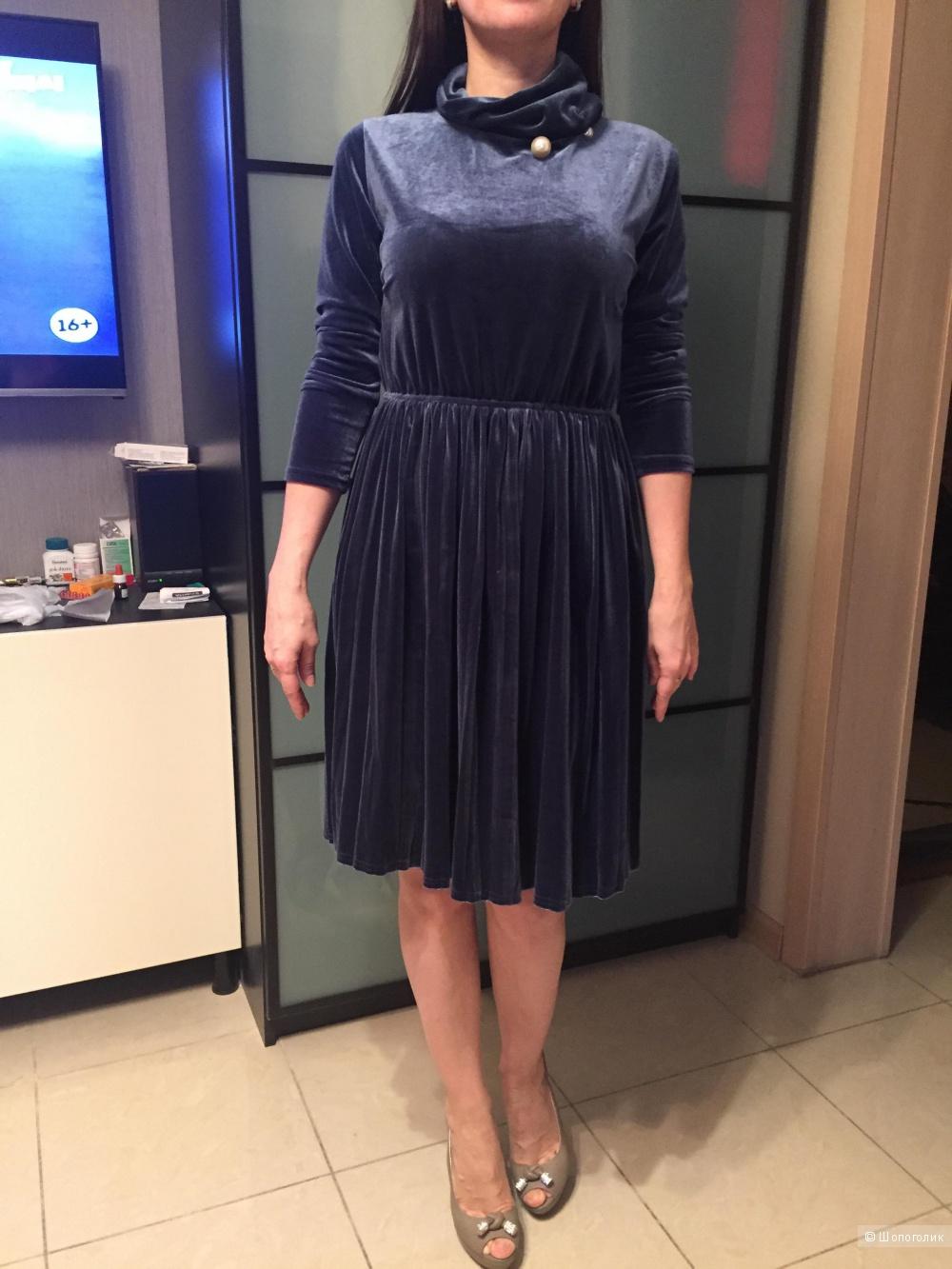 Новое бархатное платьице-плиссе