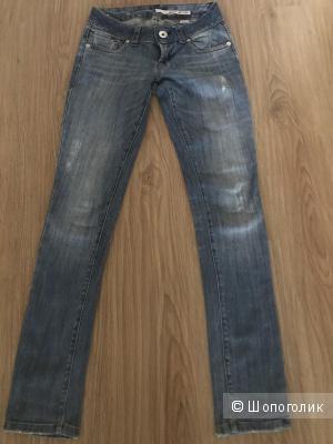 Джинсы DKNY, 24 размер