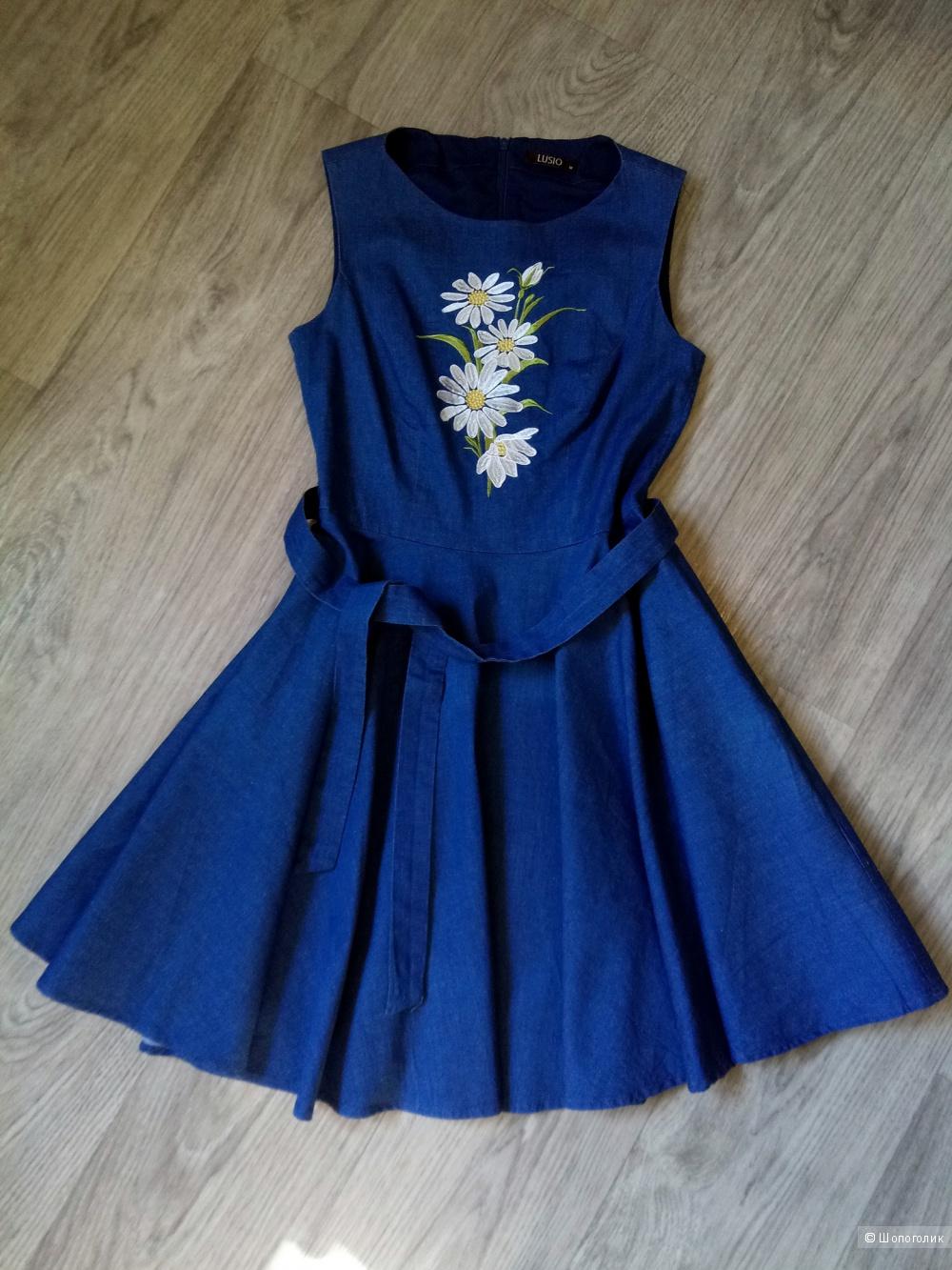 Джинсовое платье с вышивкой LUSIO размер M (44RU)