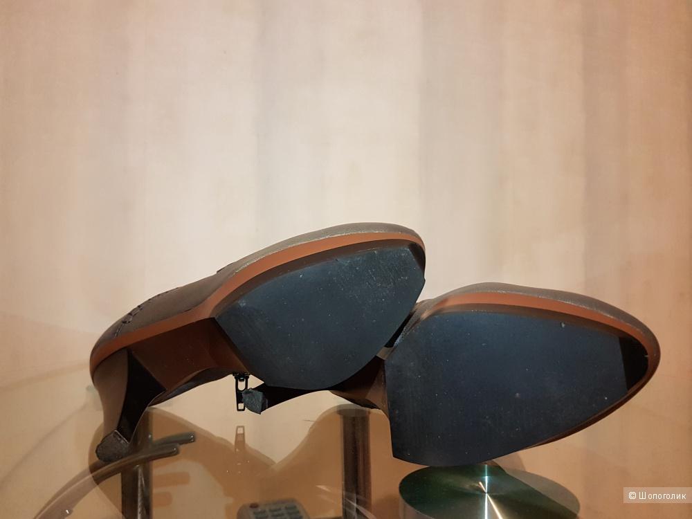 Закрытые туфли ITAITA 37 размера мультицвет