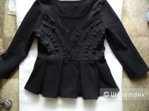 Блузка с баской и рюшами, размер 42, б/у