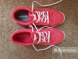 Розовые кроссовки для прогулок Reebok 39 размер