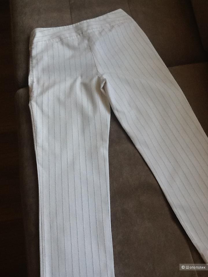 Белые брюки - капри 42-44 размер