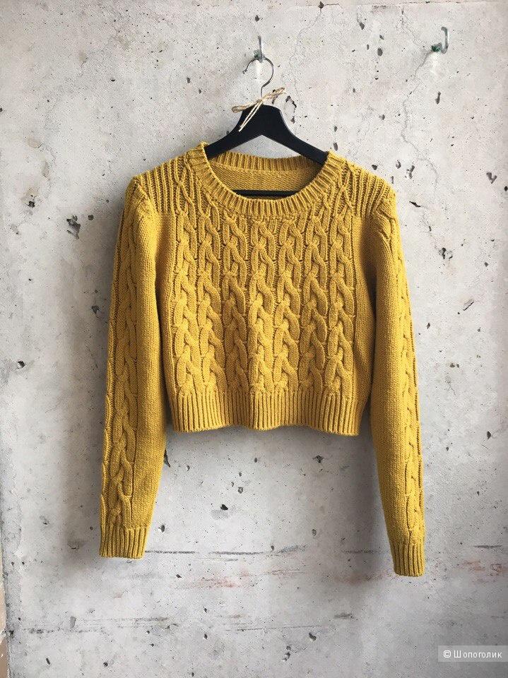 Укороченный свитер. Размер S.