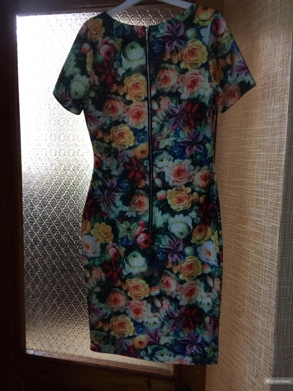 Платье 42-44 размера, марка Paper dolls