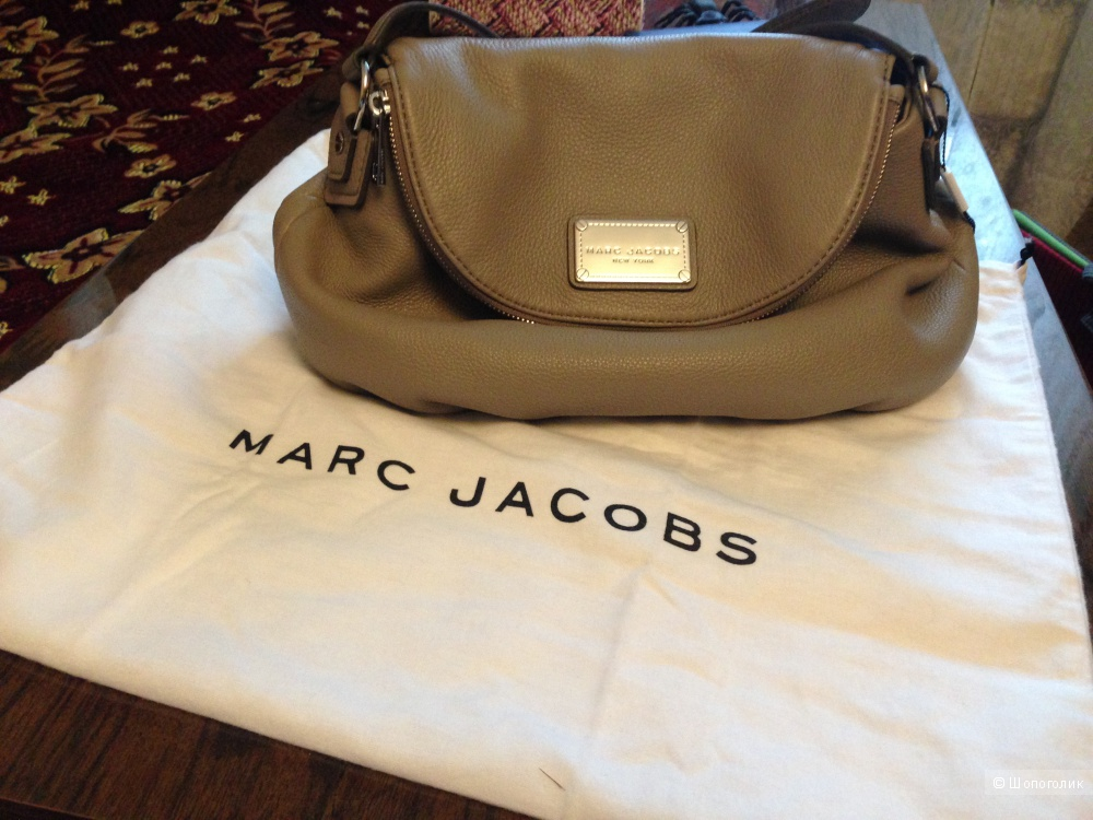 Сумка Marc Jacobs Classic Natasha Leather Crossbody medium
