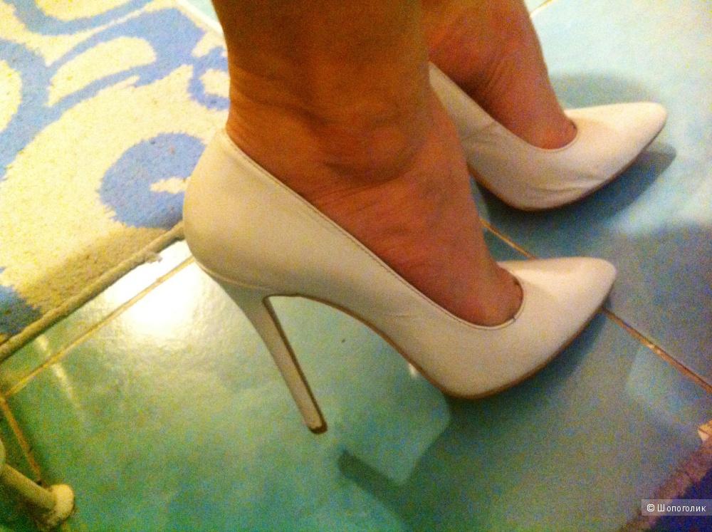 Туфли Christian Louboutin, Лабутены, 39,5 размер