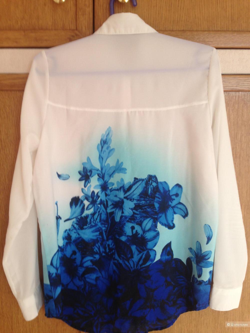 Блузка с цветочным принтом. L