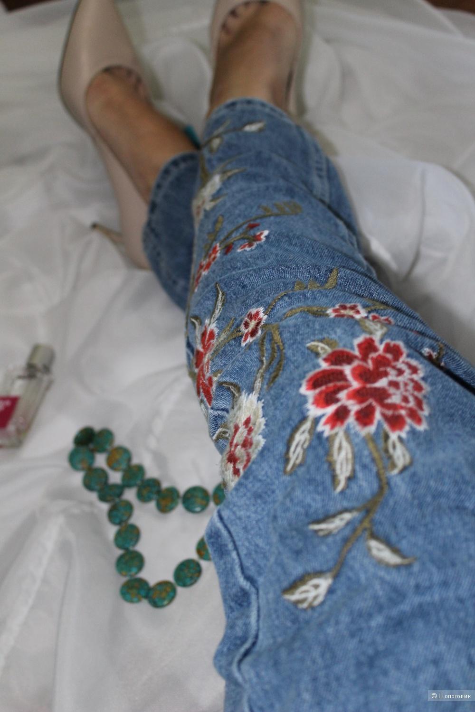 Джинсы с вышивкой, charMma, размер 36.