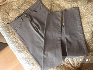 Новые светло-серые джинсы-скини марки Springfield. Размер 40-42