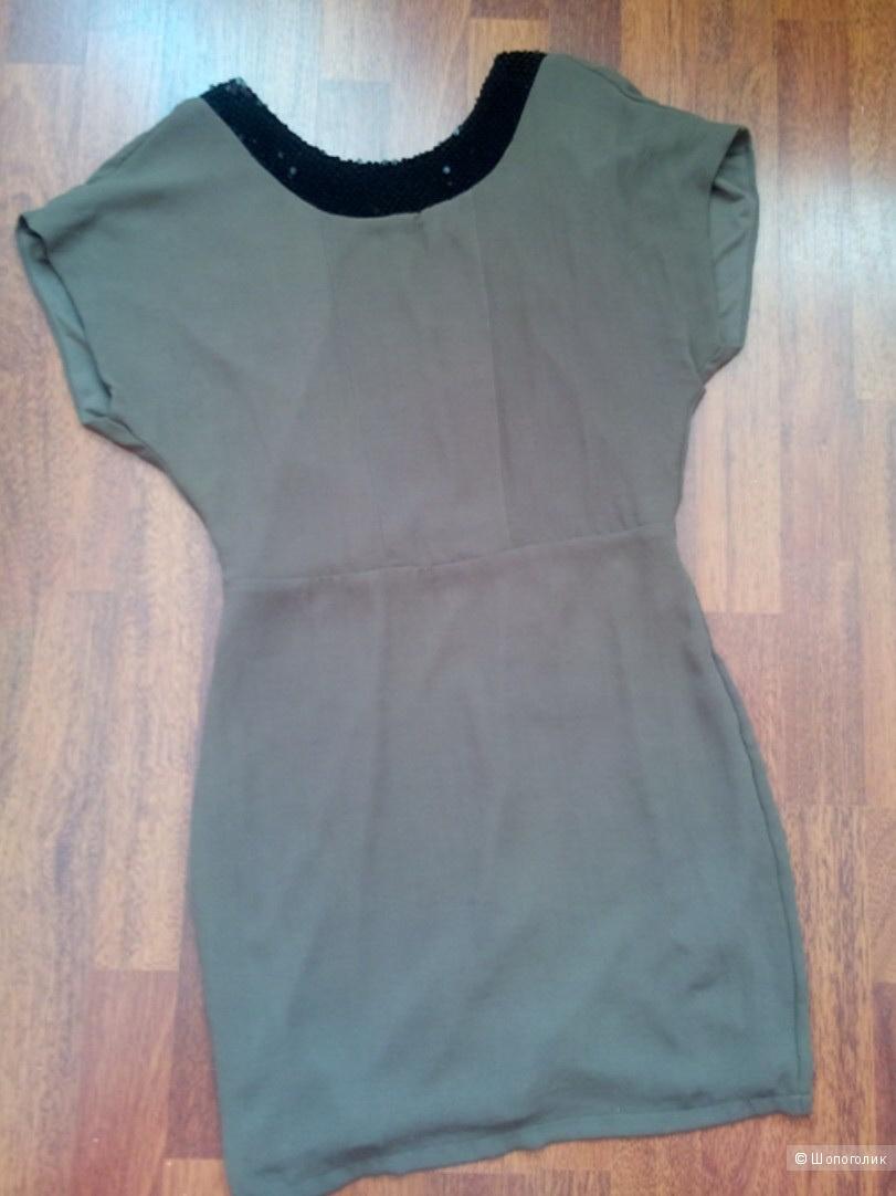 Смелое платье с открытой спиной SILVIAN HEACH Италия цвета тауп в размере M(44-46)