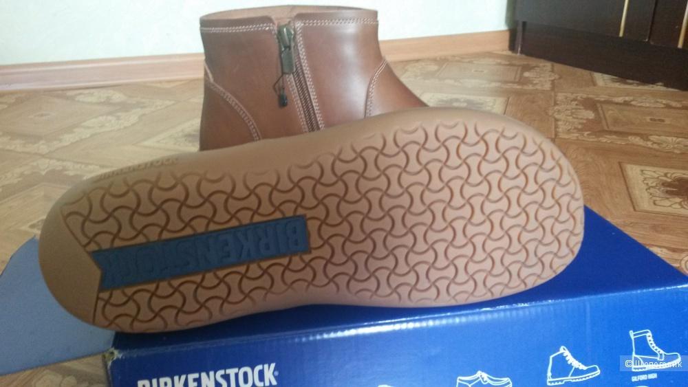 Продаю новые женские ботинки немецкой фирмы Birkenstock.Размер 39 европейский, 8-8.5 американский.Стелька 25 см.