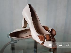 Туфли CLOTILDE светло-бежевого цвета из натуральной кожи 38 размера
